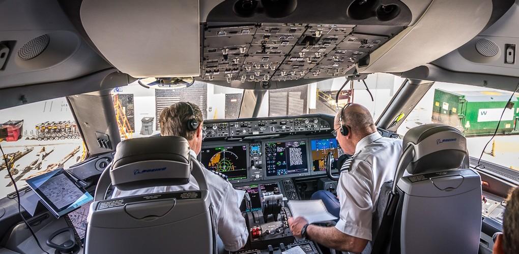Cockpit 787